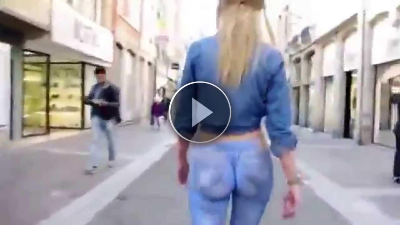 Gira Per Strada Completamente NUDA Ma Nessuno Se Ne Accorge!!!! (VIDEO INCREDIBILE)