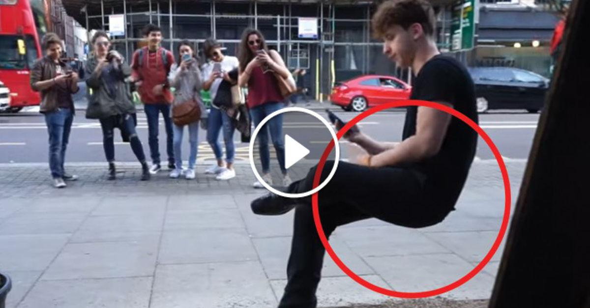 L'illusione Della Sedia Invisibile: Così Reale Che Il Trucco Sembra Non Esserci!
