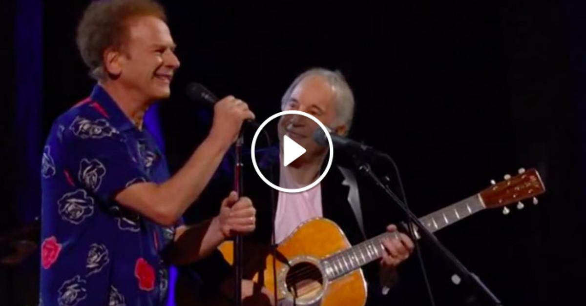 Questa canzone è stata scritta più di 52 anni fa, ma nessuno si stanca mai di ascoltarla… - VIDEO