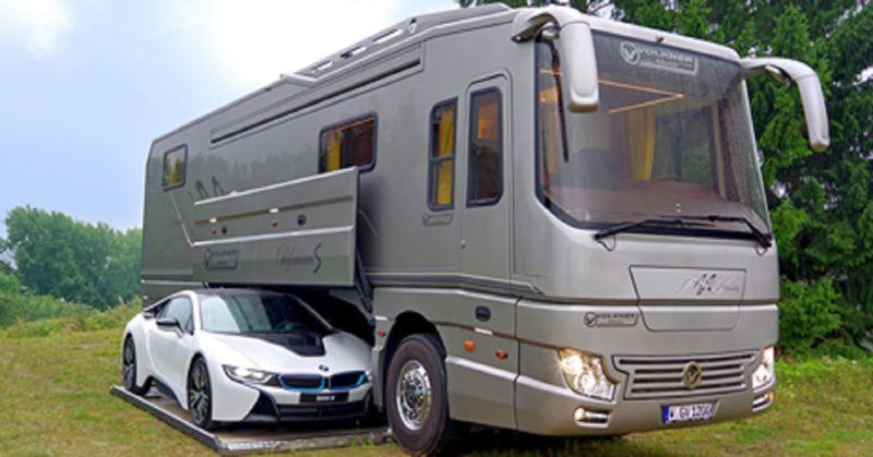 Questo veicolo di circa $ 2 milioni,  può sembrare un autobus dall'esterno, finché non si vede il suo interno