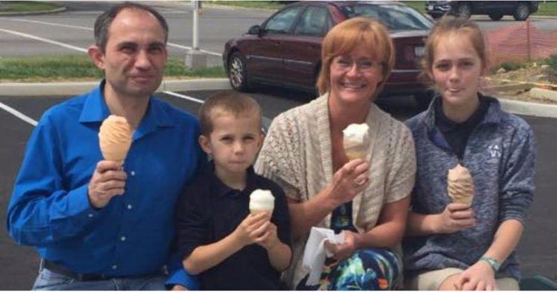 Scatta una fotografia alla famigliola felice che mangia il gelato e la posta sui social network. Giorni dopo la donna riceve un messaggio che non dimenticherà mai